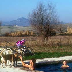 San Casciano dei Bagni: A private pool with hot springs