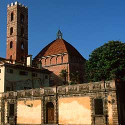 Lucca: Palazzo Micheletti and the church of San Giovanni